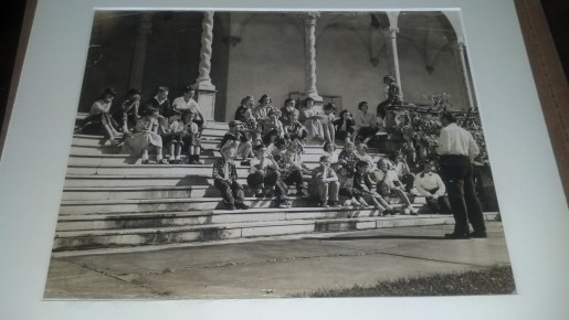 Photo of Syd Solomon teaching art at The Ringling. Craig Rubadoux back row, third one from left